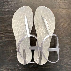 Ipanema Bandeau sandal size 7